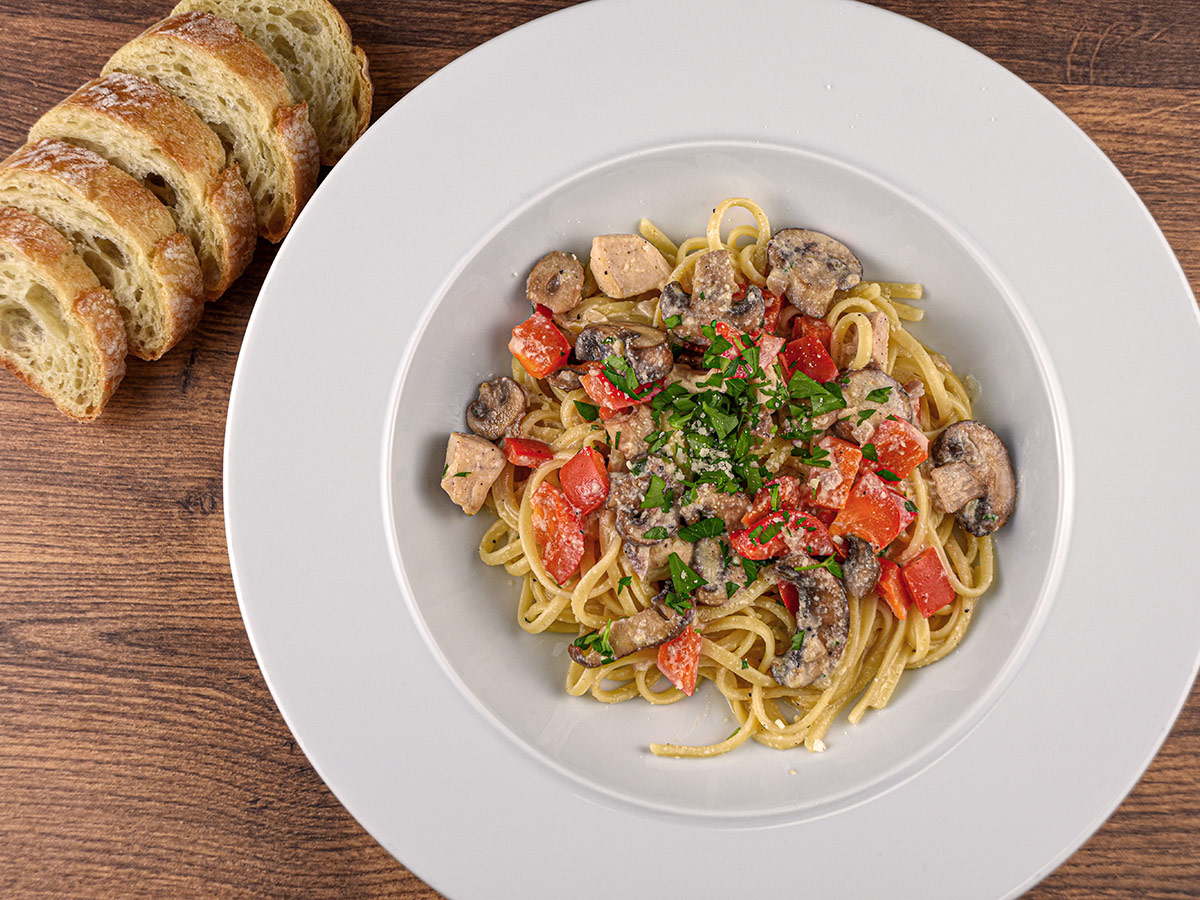 Creamy Chicken Mushroom Pasta with Red Pepper